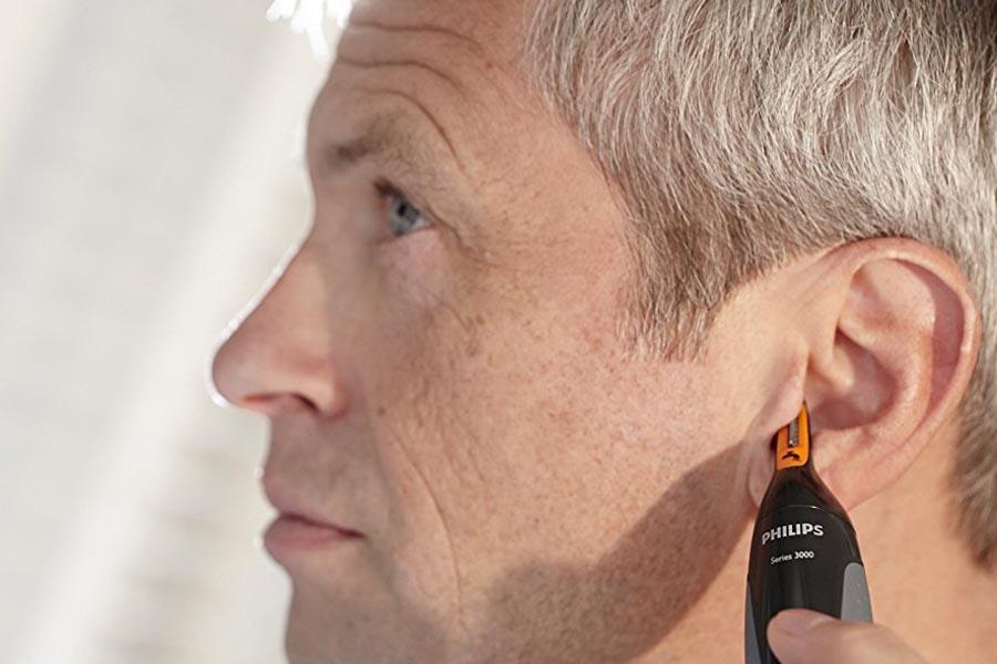 Trimmer che elimina i peli delle orecchie